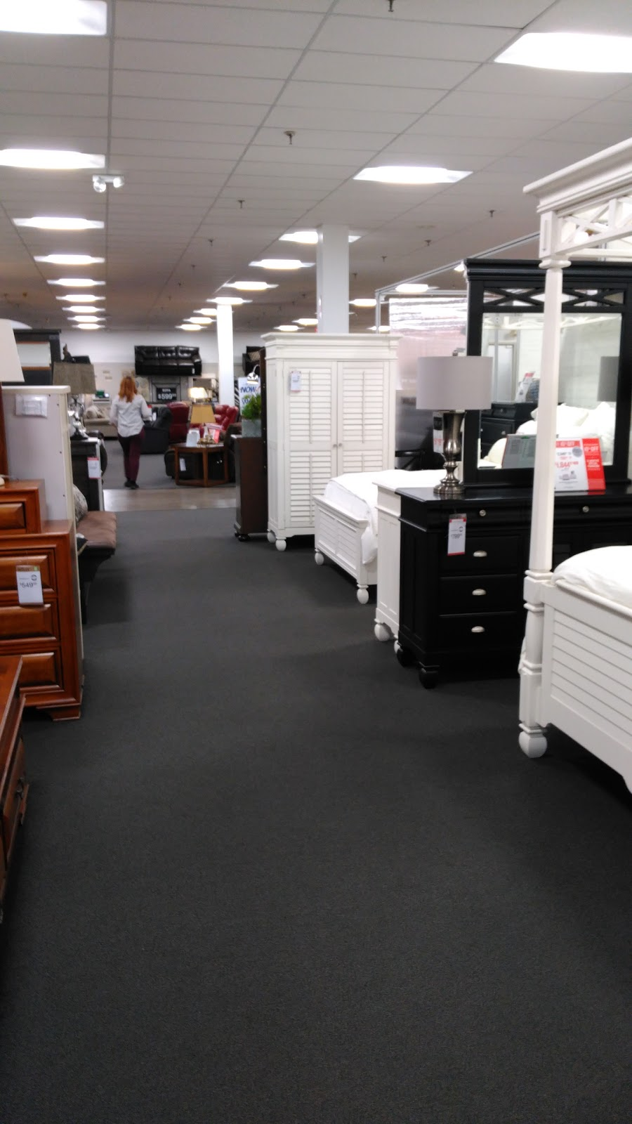 Value City Furniture - furniture store  | Photo 10 of 10 | Address: 8310 S Cicero Ave, Burbank, IL 60459, USA | Phone: (708) 422-2900