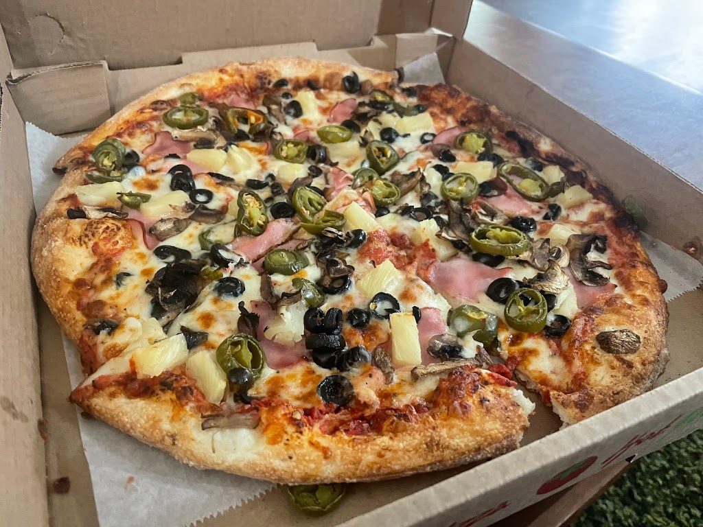 Fat Tomato Pizza - meal delivery  | Photo 3 of 10 | Address: 2130 E Broadway, Long Beach, CA 90803, USA | Phone: (562) 343-2287