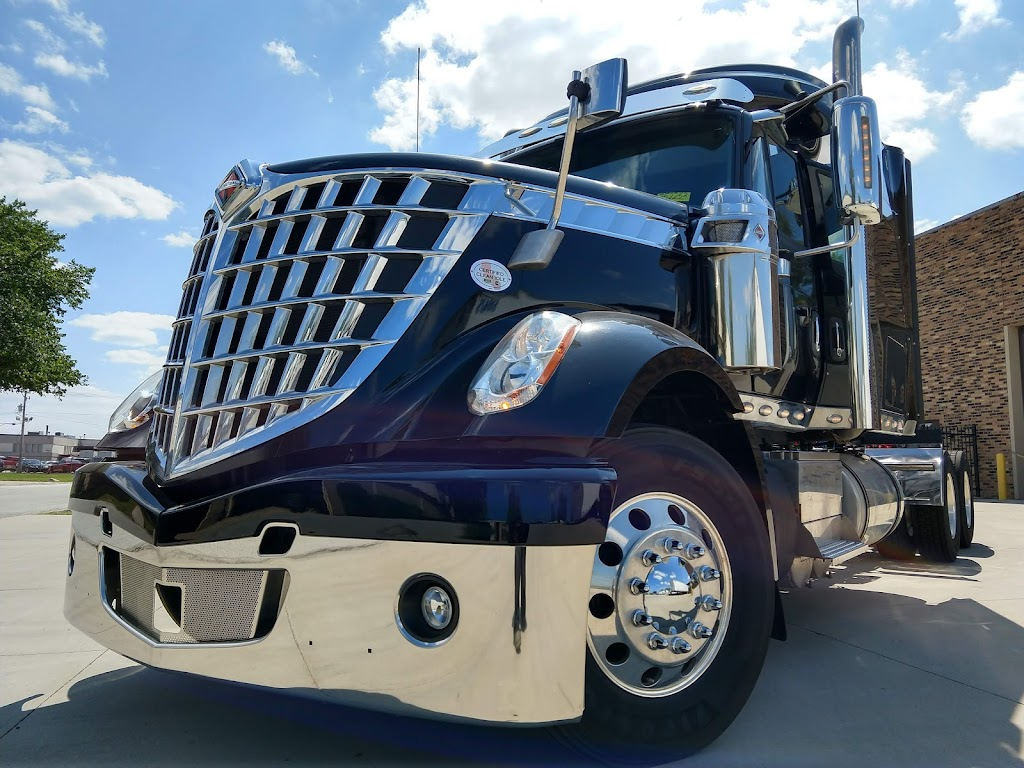 Lone Mountain Truck Leasing - store  | Photo 6 of 10 | Address: 600 W 172nd St, South Holland, IL 60473, USA | Phone: (708) 794-3335