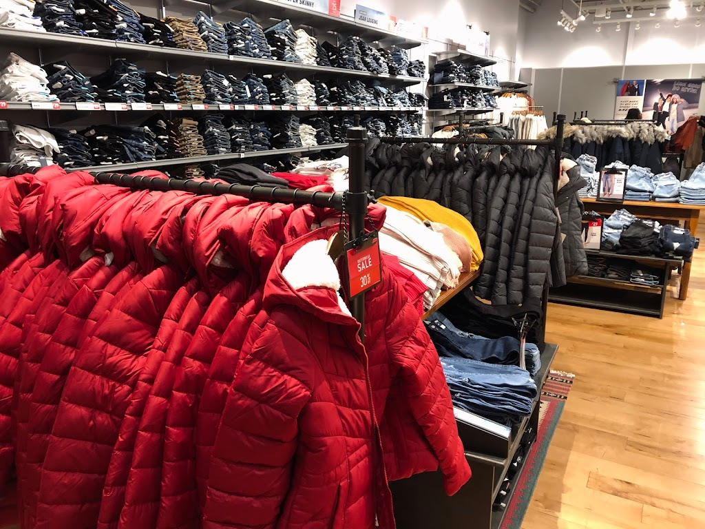 Hollister Co. - clothing store    Photo 4 of 4   Address: 1155 St Louis Galleria St Ste 1087, St. Louis, MO 63117, USA   Phone: (314) 244-3051
