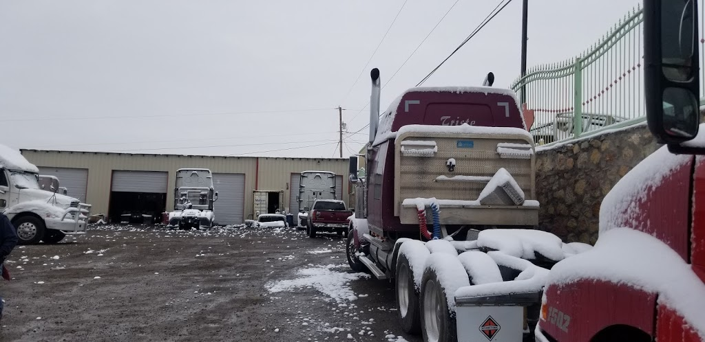 V&M SERVICE TRUCK - car repair  | Photo 2 of 7 | Address: 700 Peyton Rd, El Paso, TX 79928, USA | Phone: (915) 764-8502
