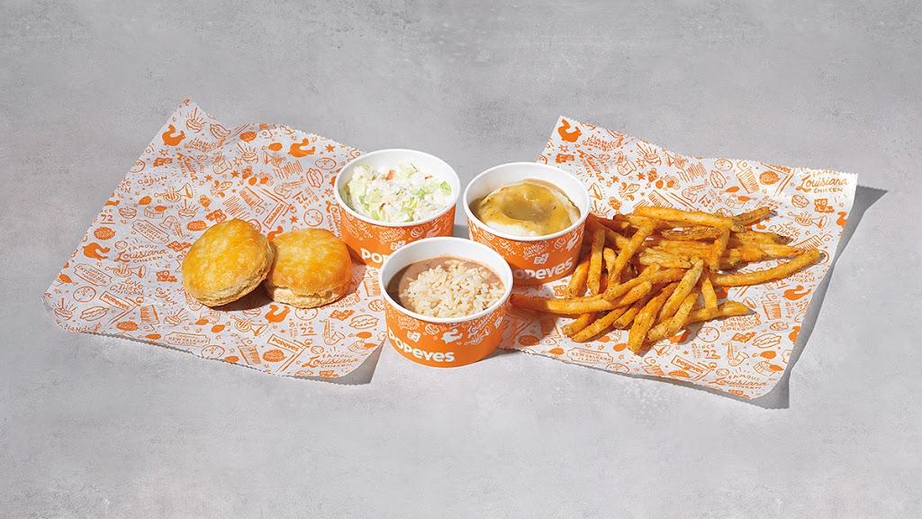 Popeyes Louisiana Kitchen - restaurant  | Photo 10 of 10 | Address: 1205 Garth Brooks Blvd, Yukon, OK 73099, USA | Phone: (405) 578-5410