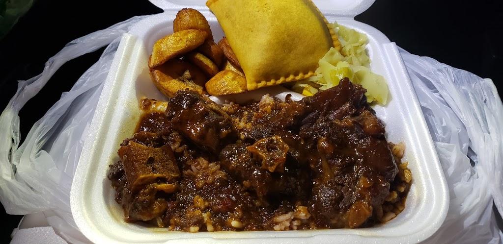 VIP Wings Deli and Café - restaurant  | Photo 10 of 10 | Address: 5015 Old National Hwy, Atlanta, GA 30349, USA | Phone: (404) 963-6320