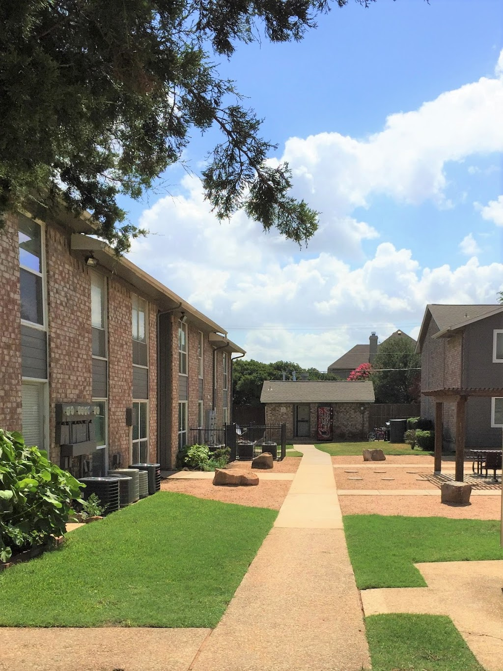 Ridge Crest Apartments - real estate agency  | Photo 6 of 10 | Address: 2805 Mustang Dr, Grapevine, TX 76051, USA | Phone: (817) 714-3043