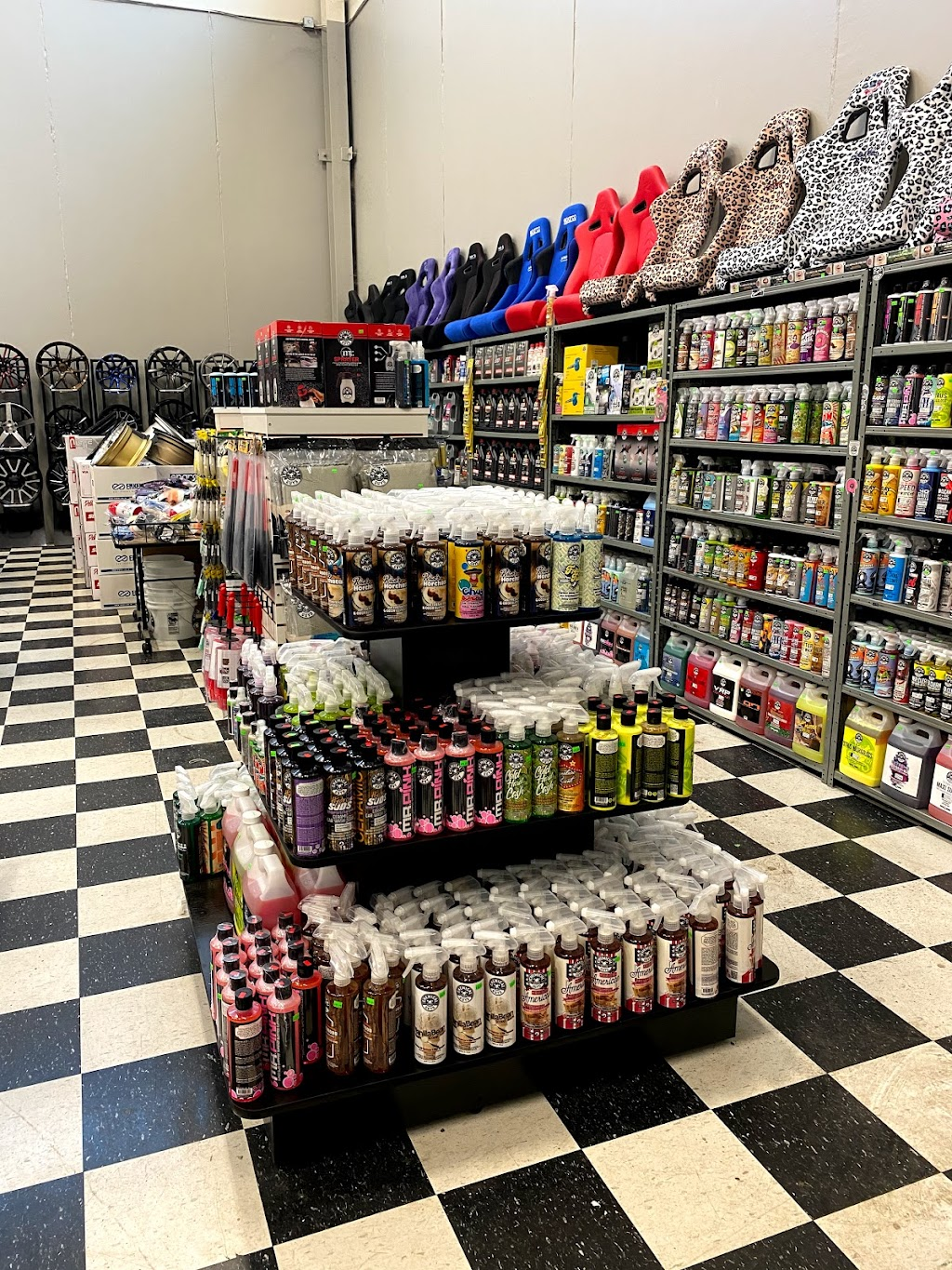 Automotive Warehouse Auto Parts & Accesories - car repair  | Photo 2 of 10 | Address: 343 Airport Rd, Niagara-on-the-Lake, ON L0S 1J0, Canada | Phone: (905) 682-1711