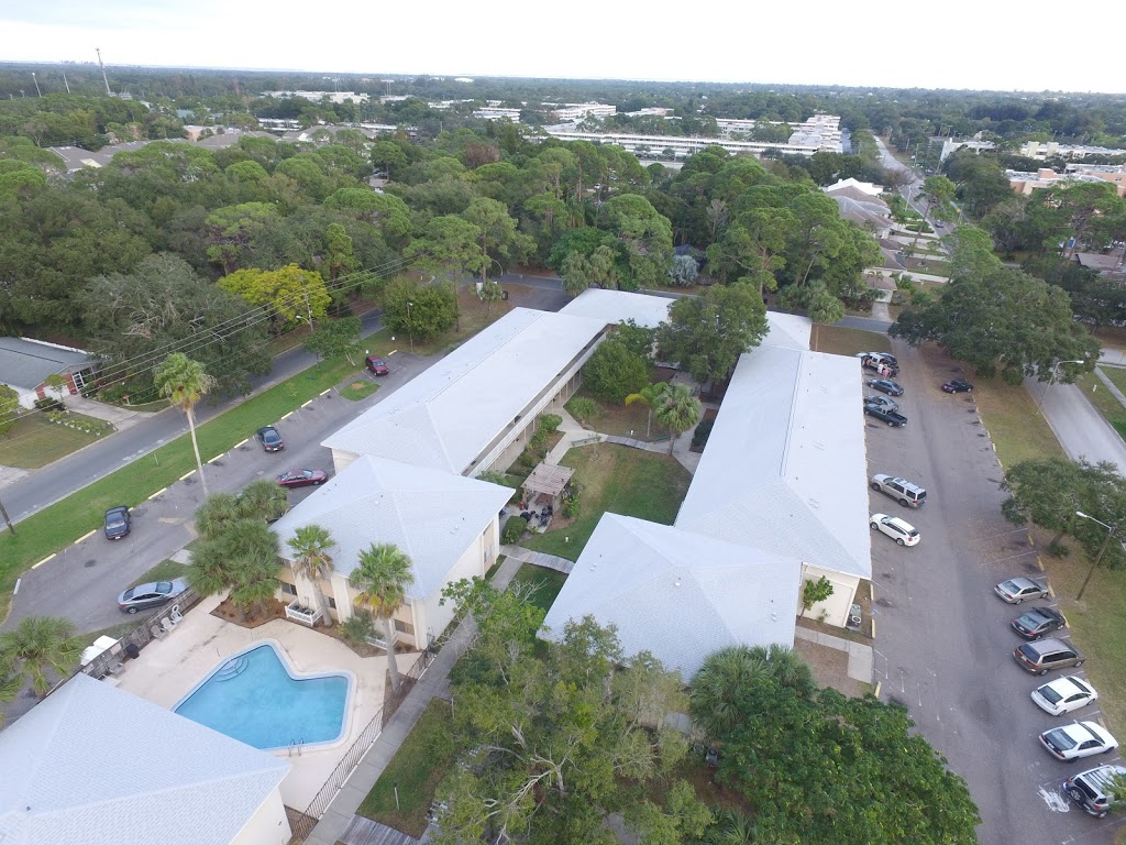 Alvarez Roofing Services - roofing contractor    Photo 5 of 10   Address: 13101 Automobile Blvd, Clearwater, FL 33762, USA   Phone: (727) 235-1378