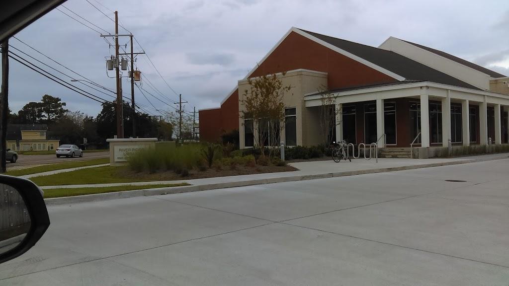 Jefferson Parish Library - River Ridge Library - library  | Photo 4 of 10 | Address: 8825 Jefferson Hwy, River Ridge, LA 70123, USA | Phone: (504) 736-6455