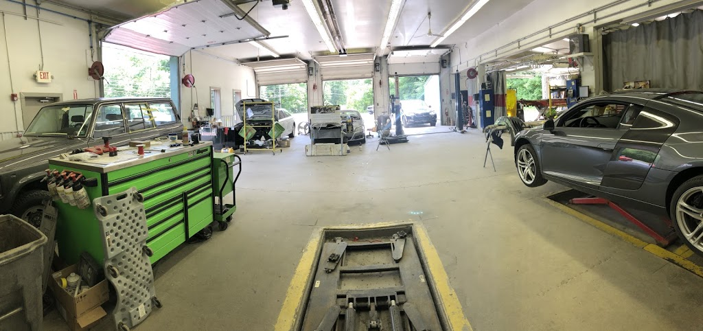 Greater Pittsburgh Collision - car repair  | Photo 2 of 10 | Address: 124 Flaugherty Run Rd, Moon Twp, PA 15108, USA | Phone: (412) 264-3300