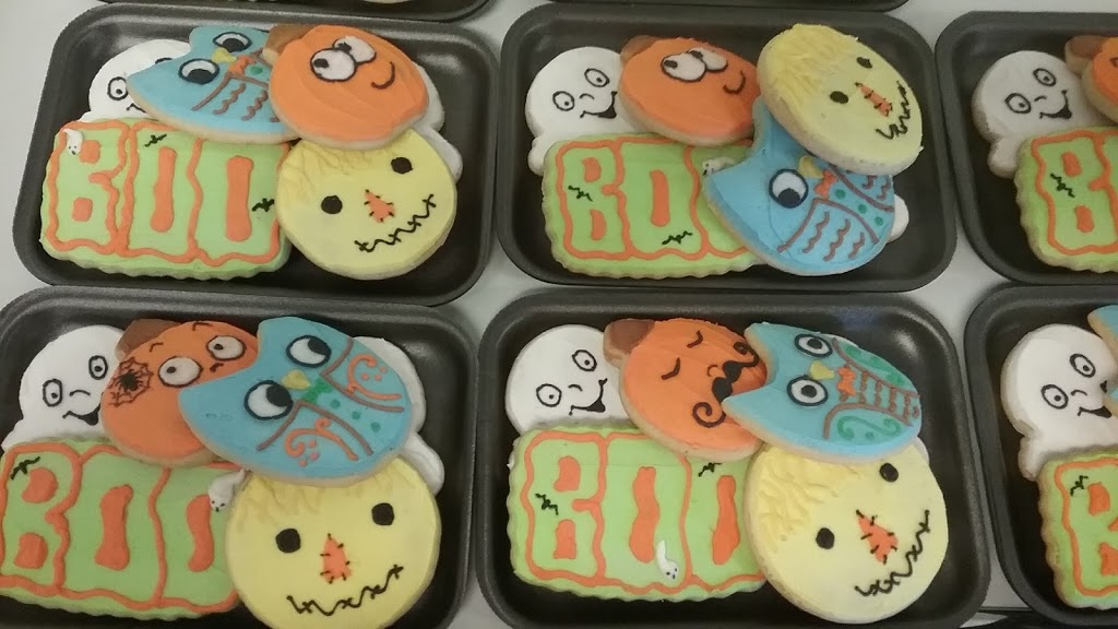 Pollys Pastries - bakery    Photo 2 of 7   Address: 1015 OH-590, Fremont, OH 43420, USA   Phone: (419) 307-3721