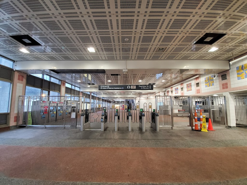 Buckhead Station - subway station    Photo 10 of 10   Address: 3360 Peachtree Rd NE, Atlanta, GA 30326, USA   Phone: (404) 848-4711