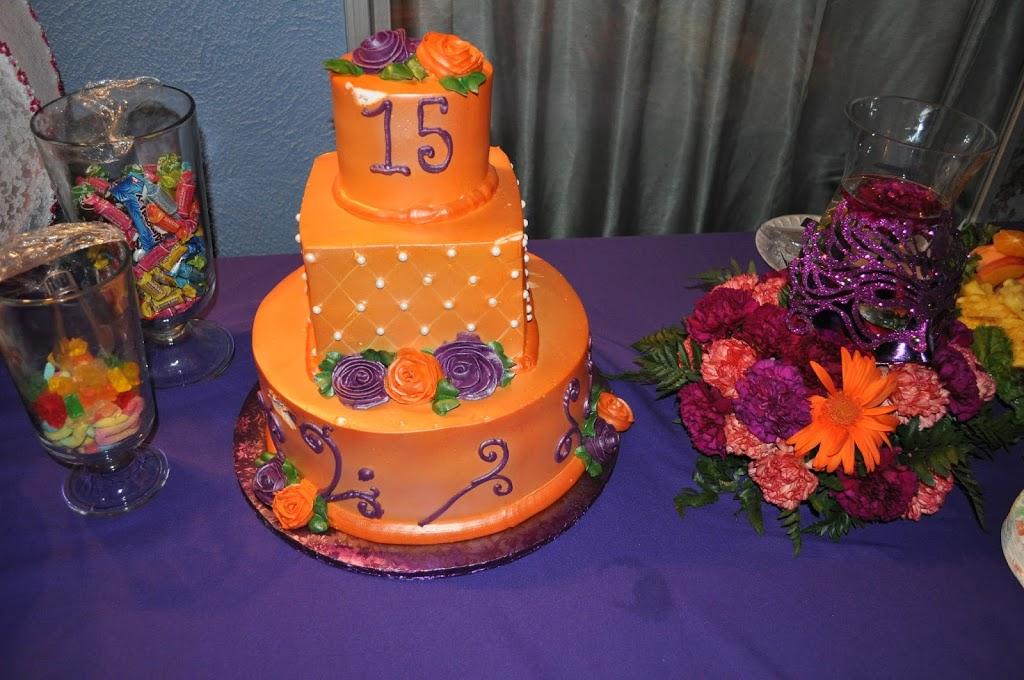 Las Tres Princesas Bakery - bakery  | Photo 2 of 7 | Address: 2736 N Bristol St, Santa Ana, CA 92706, USA | Phone: (714) 542-2131