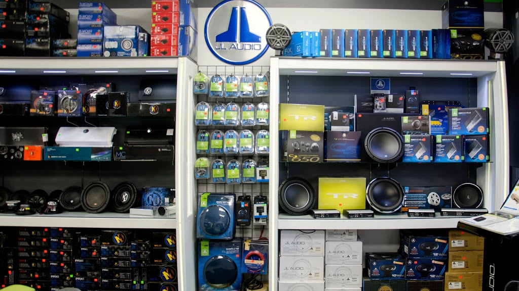Audiomaxx - electronics store    Photo 2 of 10   Address: 528 E Fordham Rd, Bronx, NY 10458, USA   Phone: (718) 933-5636