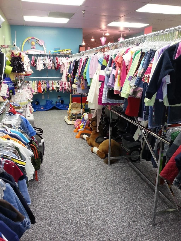 Iddy Biddy Fashions - clothing store    Photo 4 of 8   Address: 2000 Park Pl Dr Suite 106, Washington, PA 15301, USA   Phone: (724) 470-9116