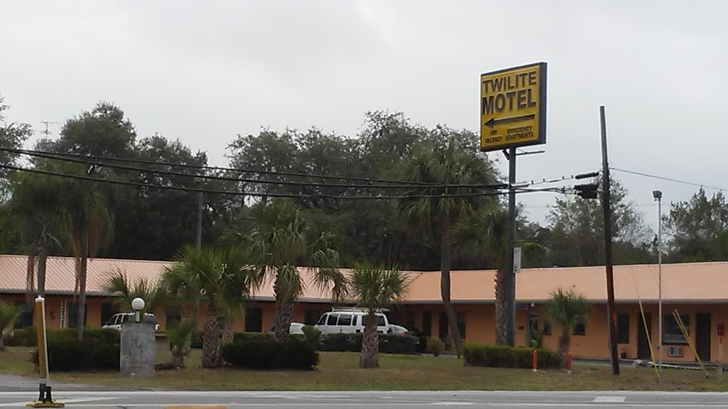 Twilite Motel - lodging  | Photo 3 of 10 | Address: 4040 Gall Blvd, Zephyrhills, FL 33542, USA | Phone: (813) 788-2695