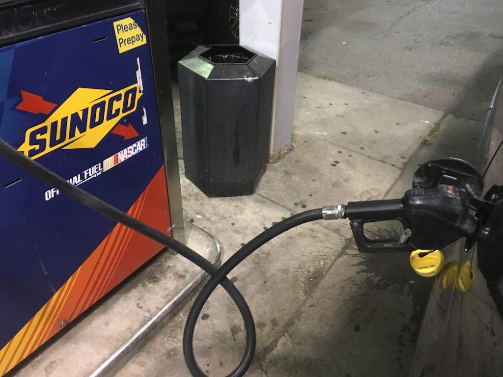 Sunoco Gas Station - gas station  | Photo 2 of 6 | Address: 1407 E Manhattan Blvd, Toledo, OH 43608, USA | Phone: (419) 726-1958