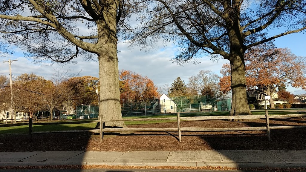 Rogers Park - park    Photo 8 of 10   Address: 43 Lafayette St, Rumson, NJ 07760, USA   Phone: (732) 842-3300