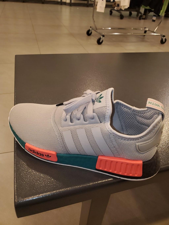Foot Locker - shoe store    Photo 4 of 10   Address: 1711 W Bethany Home Rd, Phoenix, AZ 85015, USA   Phone: (602) 246-9931