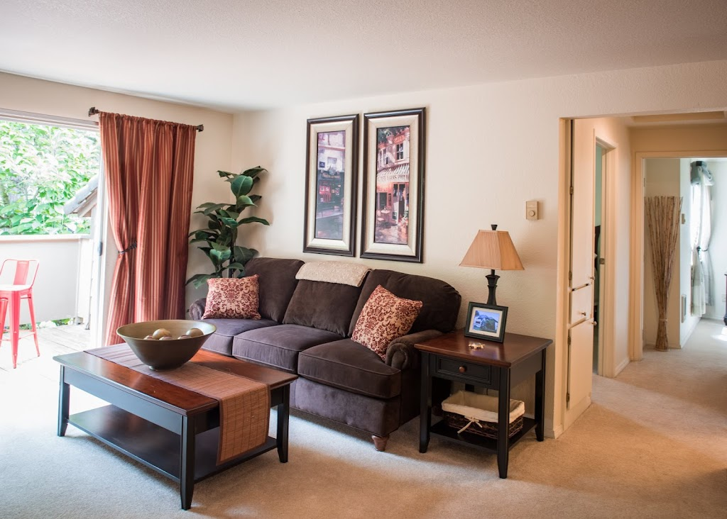 Kings Court Apartments - real estate agency  | Photo 7 of 10 | Address: 16300 SW Estuary Dr, Beaverton, OR 97006, USA | Phone: (844) 672-5187