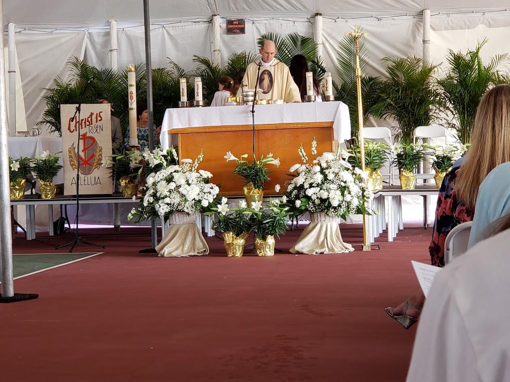 St John Vianney Catholic Church - church  | Photo 6 of 10 | Address: 445 82nd Ave, St Pete Beach, FL 33706, USA | Phone: (727) 360-1147