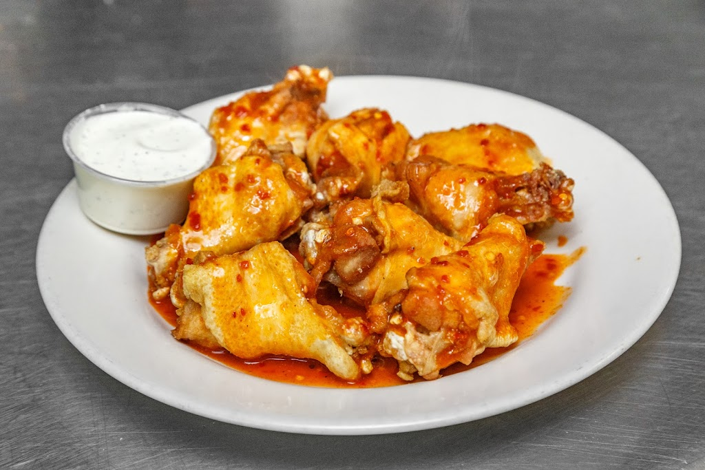 Cardello Pizza - meal delivery  | Photo 8 of 10 | Address: 261 Moon Clinton Rd, Moon Twp, PA 15108, USA | Phone: (412) 264-1000