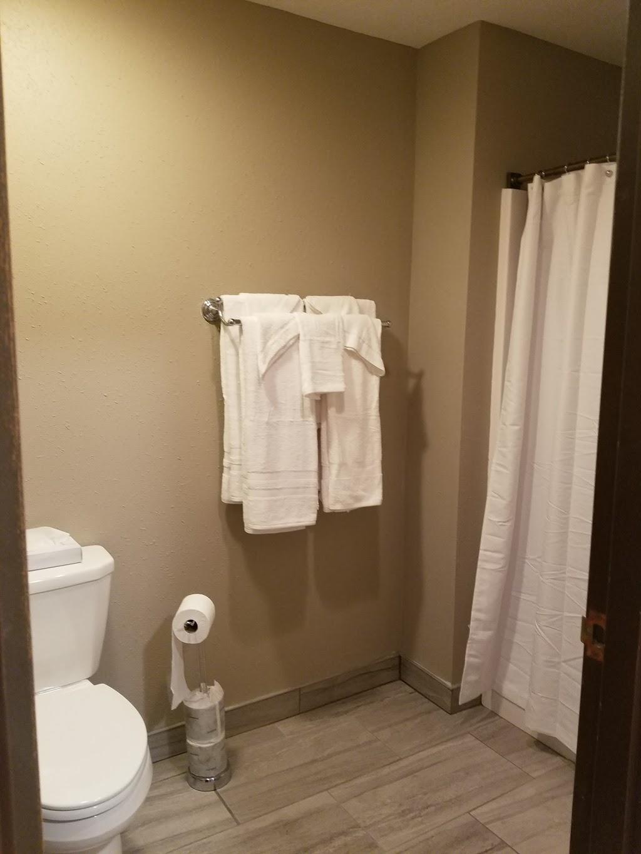 Inn Glenwood, LLC d/b/a/ HOTEL ARTHUR - lodging    Photo 2 of 10   Address: 707 S Locust St, Glenwood, IA 51534, USA   Phone: (712) 527-3175