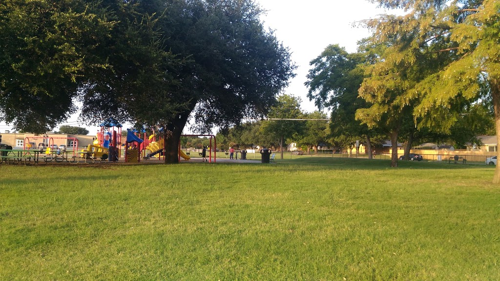 Big Lake Park - park  | Photo 9 of 10 | Address: 3800 Rainier Rd, Plano, TX 75023, USA | Phone: (972) 941-7250