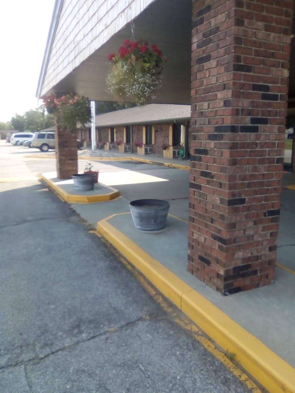 Inn Glenwood, LLC d/b/a/ HOTEL ARTHUR - lodging    Photo 10 of 10   Address: 707 S Locust St, Glenwood, IA 51534, USA   Phone: (712) 527-3175