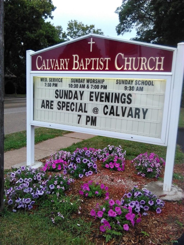 Calvary Baptist Church - church  | Photo 5 of 6 | Address: 309 Water St, Sauk City, WI 53583, USA | Phone: (608) 643-2101