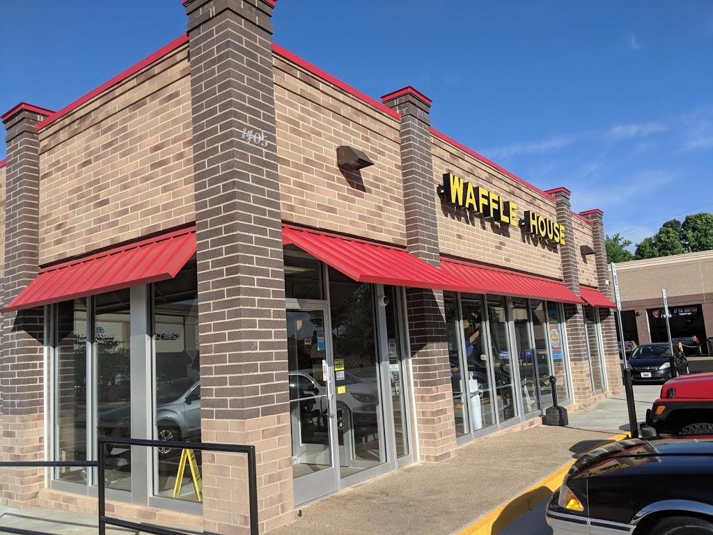 Waffle House - meal takeaway  | Photo 1 of 10 | Address: 1405 University Dr, Burlington, NC 27215, USA | Phone: (336) 684-8502