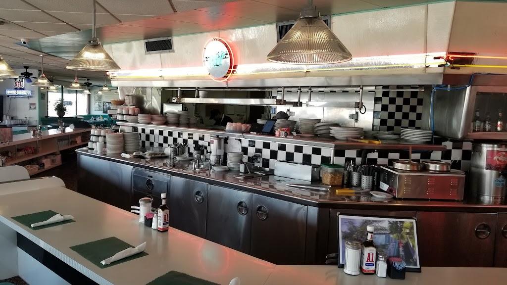 Ozzies Diner - restaurant  | Photo 2 of 10 | Address: 7780 E, Slauson Ave, Commerce, CA 90040, USA | Phone: (323) 477-1933