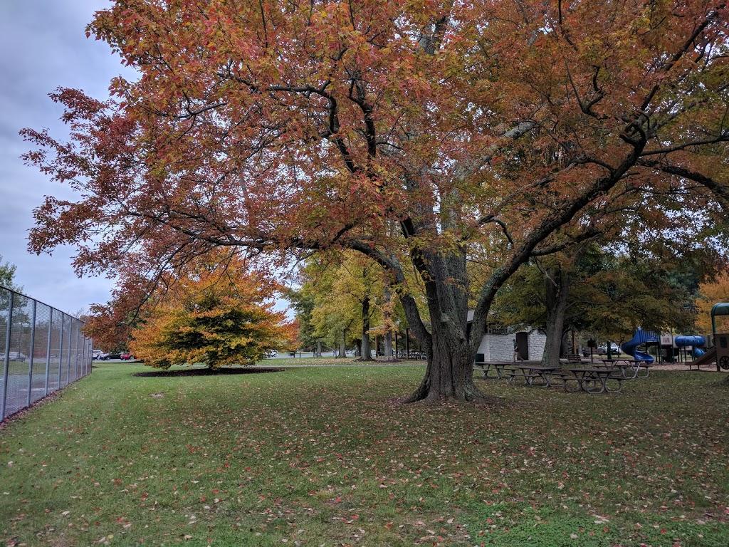 Weller Park - park    Photo 7 of 10   Address: 10021 Weller Rd, Montgomery, OH 45249, USA   Phone: (513) 891-2424