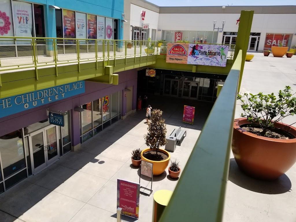 H&M - clothing store  | Photo 2 of 10 | Address: 1600 Water St, Laredo, TX 78040, USA | Phone: (855) 466-7467