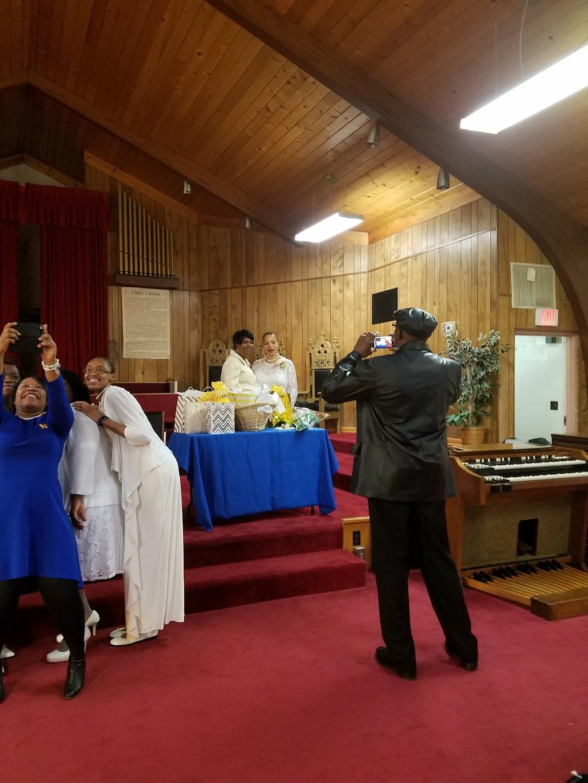 First Baptist Church - church    Photo 3 of 10   Address: 6201 Red Bank Rd, Cincinnati, OH 45212, USA   Phone: (513) 793-5642