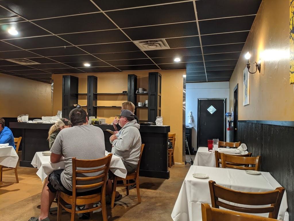 Johnnys Italian Restaurant - restaurant  | Photo 9 of 10 | Address: 14471 NE 23rd St, Choctaw, OK 73020, USA | Phone: (405) 281-1237