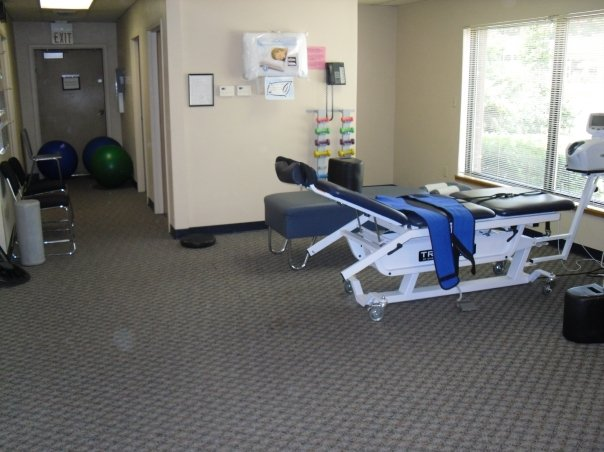 ProCare Chiropractic Center - health  | Photo 4 of 9 | Address: 5250 Library Rd, Bethel Park, PA 15102, USA | Phone: (412) 854-6900