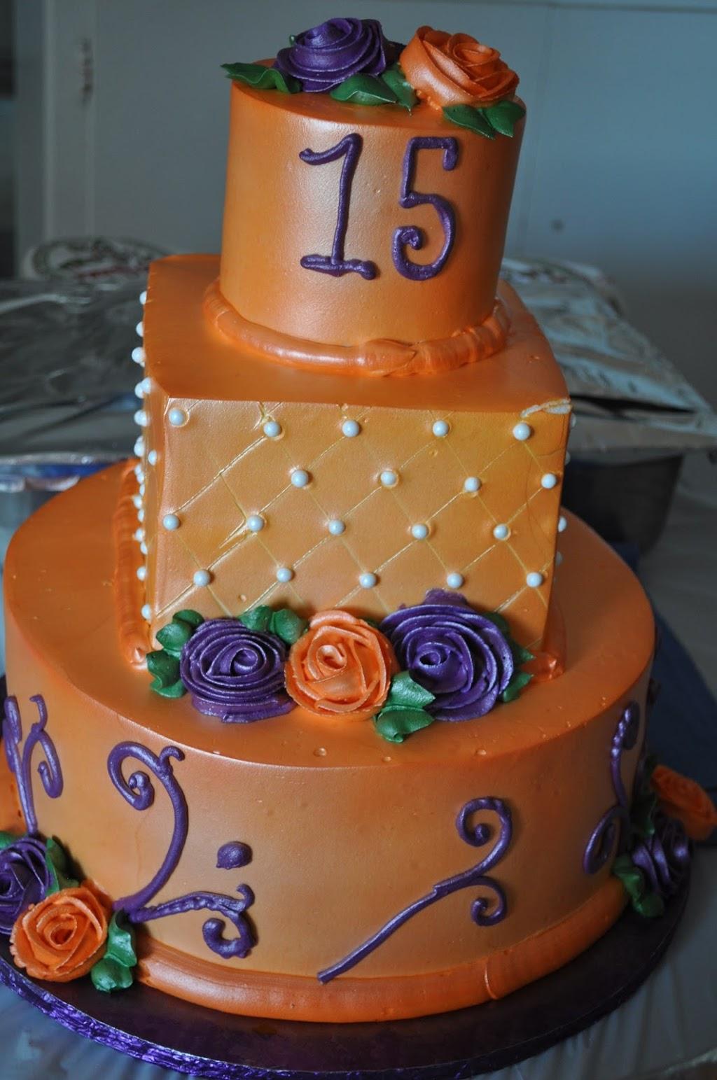 Las Tres Princesas Bakery - bakery  | Photo 5 of 7 | Address: 2736 N Bristol St, Santa Ana, CA 92706, USA | Phone: (714) 542-2131
