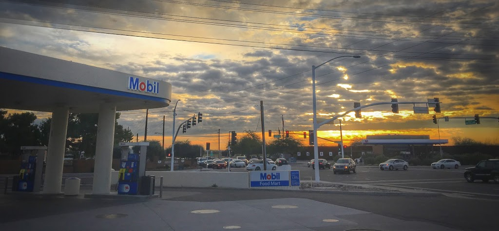 Mobil - gas station  | Photo 5 of 9 | Address: 304 N Hayden Rd, Scottsdale, AZ 85257, USA | Phone: (480) 429-1144