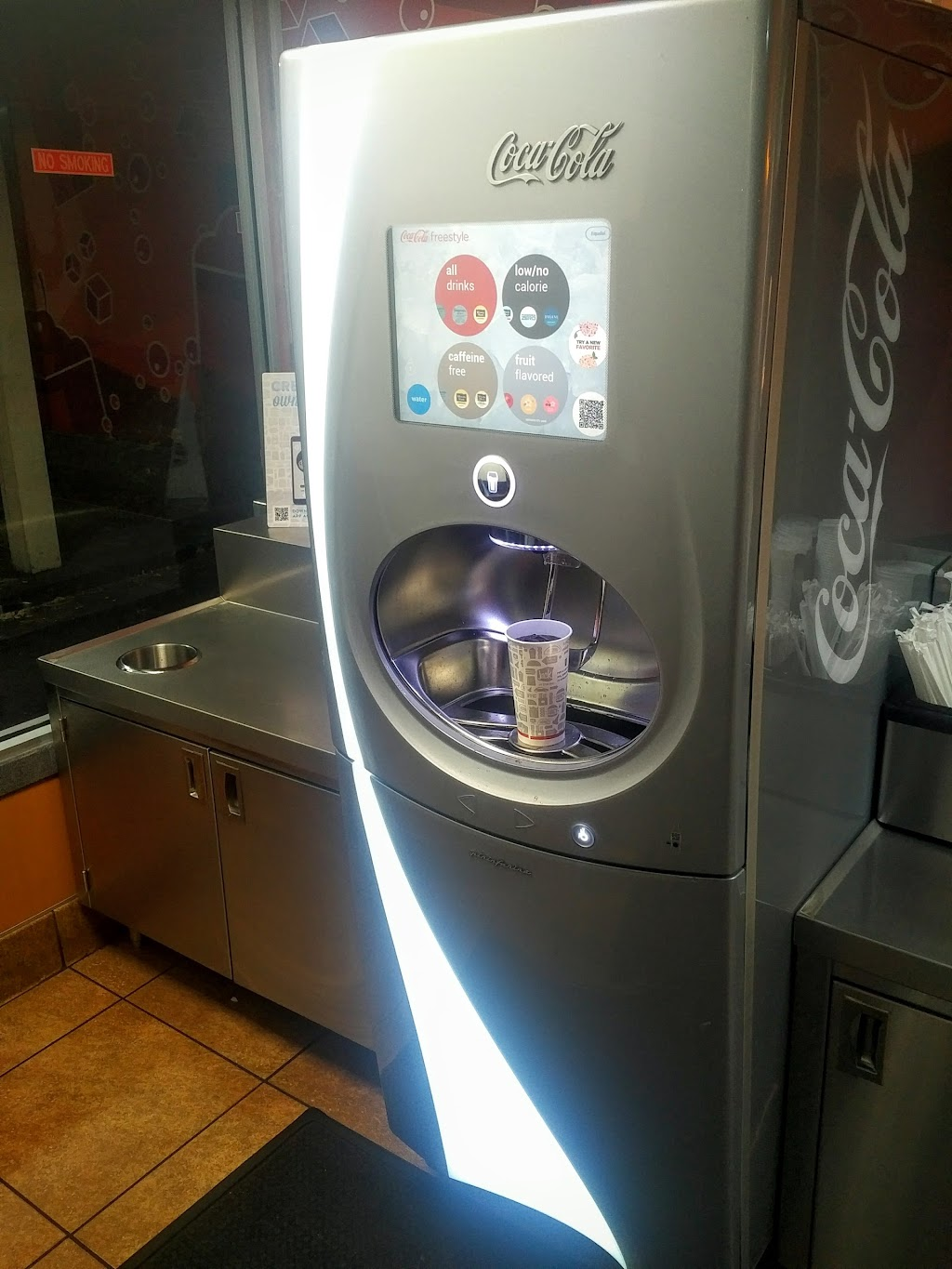 Jack in the Box - restaurant  | Photo 8 of 10 | Address: 1710 Monument Blvd, Concord, CA 94520, USA | Phone: (925) 671-7911