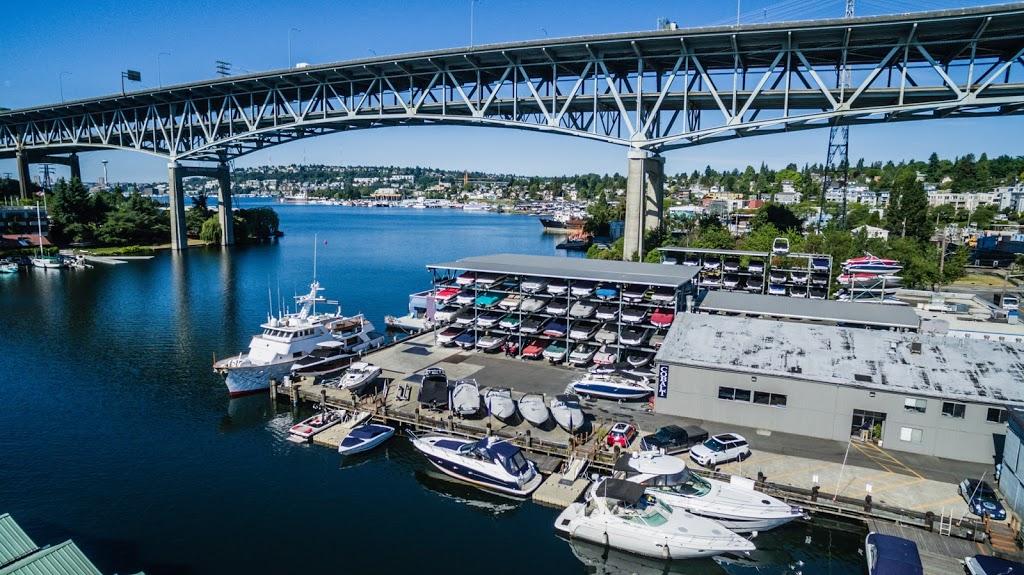 Seattle Boat Company - storage  | Photo 3 of 10 | Address: 659 NE Northlake Way, Seattle, WA 98105, USA | Phone: (206) 633-2628