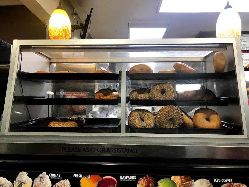 Winchells Donut House - bakery  | Photo 3 of 10 | Address: 12951 W Chapman Ave, Garden Grove, CA 92840, USA | Phone: (714) 750-0771