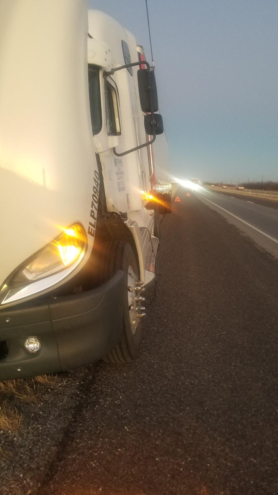 V&M SERVICE TRUCK - car repair  | Photo 4 of 7 | Address: 700 Peyton Rd, El Paso, TX 79928, USA | Phone: (915) 764-8502