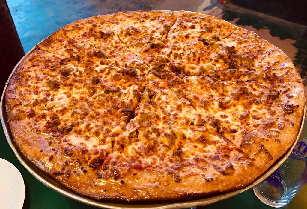 McClains Pizzeria - restaurant    Photo 3 of 10   Address: 115 Girod St, Mandeville, LA 70448, USA   Phone: (985) 778-0955