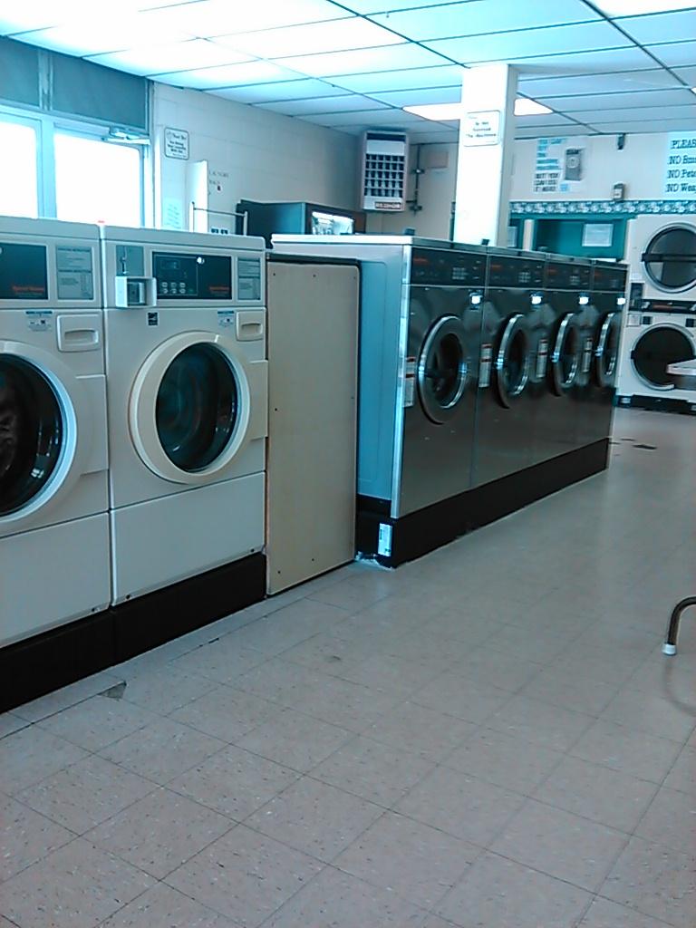 Midtown Laundry - laundry    Photo 1 of 4   Address: 115 S A Ave, Bixby, OK 74008, USA   Phone: (918) 366-9274
