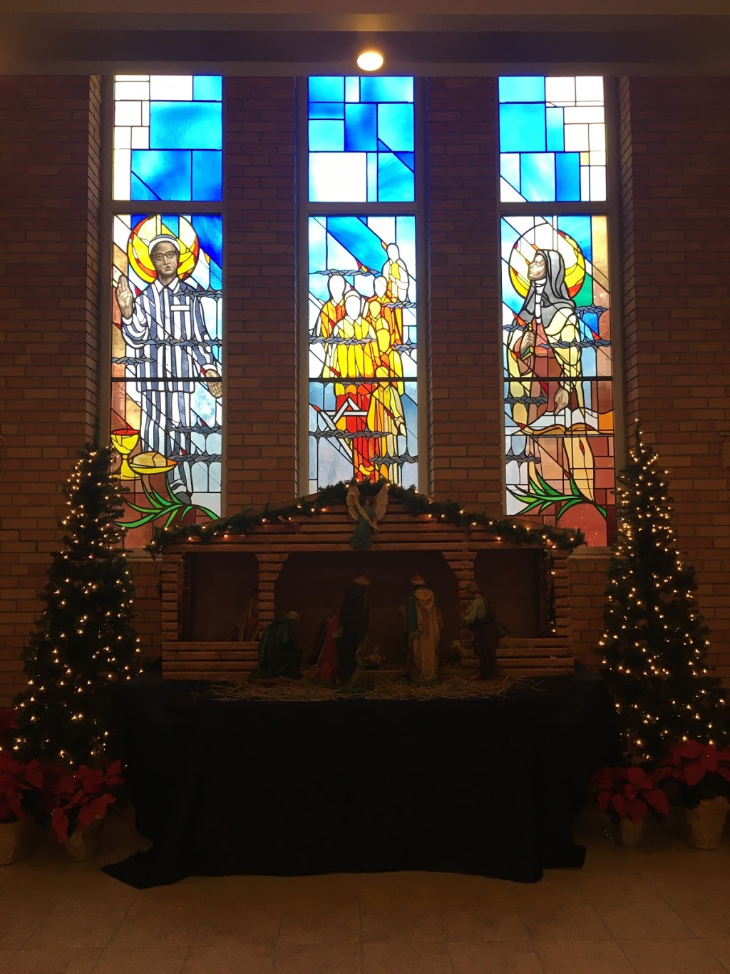St Mary Magdalen Parish - church  | Photo 6 of 9 | Address: 50 E Annabelle Ave, Hazel Park, MI 48030, USA | Phone: (248) 542-8060
