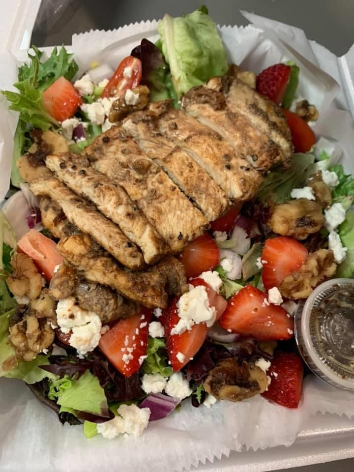 Luckys - restaurant  | Photo 9 of 10 | Address: 1473 Raritan Rd, Clark, NJ 07066, USA | Phone: (908) 276-7777