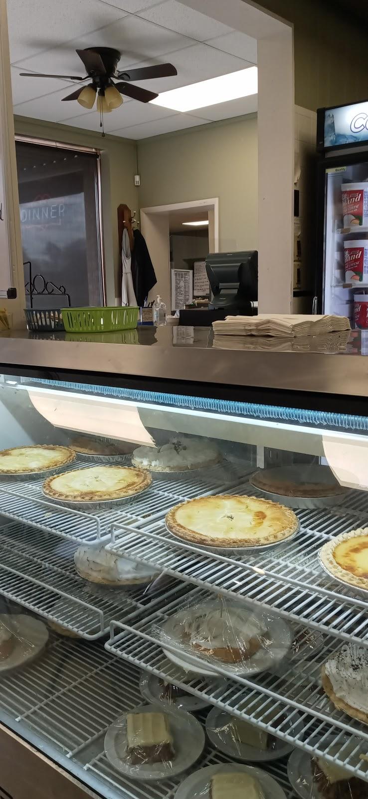 Englewood Cafe - cafe  | Photo 4 of 10 | Address: 10904 E Winner Rd, Independence, MO 64052, USA | Phone: (816) 461-9588
