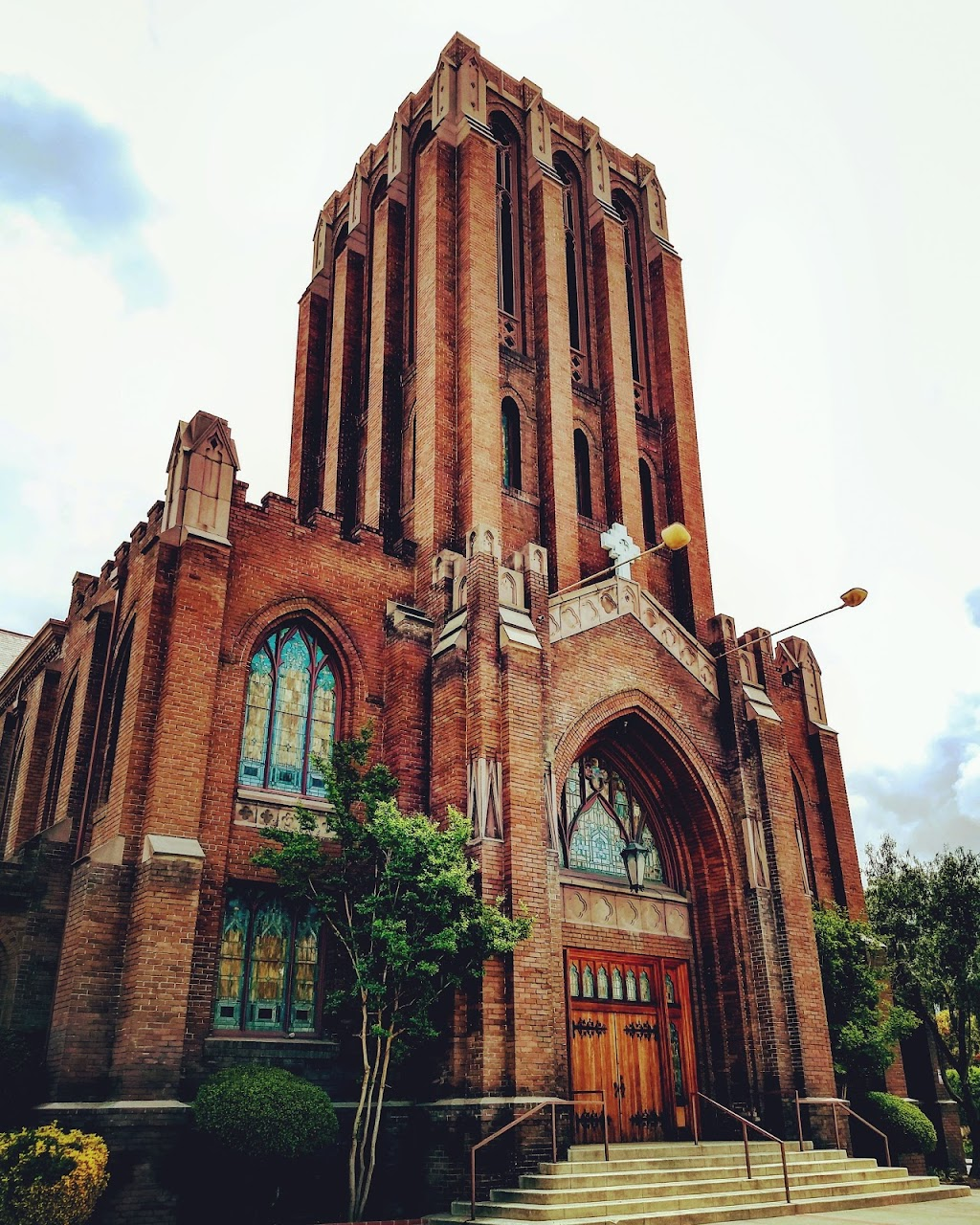 Pilgrim Congregational Church - church  | Photo 1 of 10 | Address: 600 N Garey Ave, Pomona, CA 91767, USA | Phone: (909) 622-1373