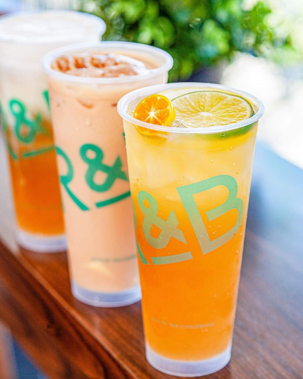 R&B Tea USA - Gardena - cafe    Photo 3 of 10   Address: 1847 W Redondo Beach Blvd, Gardena, CA 90247, USA   Phone: (310) 817-4779