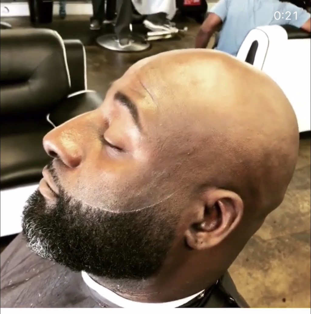 Full Fledge Barber & Beauty Salon - hair care  | Photo 9 of 10 | Address: 3400 S Watson Rd #106, Arlington, TX 76014, USA | Phone: (972) 639-2258