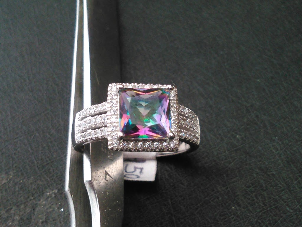 Joyería Zafiro - jewelry store  | Photo 4 of 10 | Address: Calle 5 de Mayo 200-Local 4, Predios Urbanos, 22710 Rosarito, B.C., Mexico | Phone: 661 116 2531